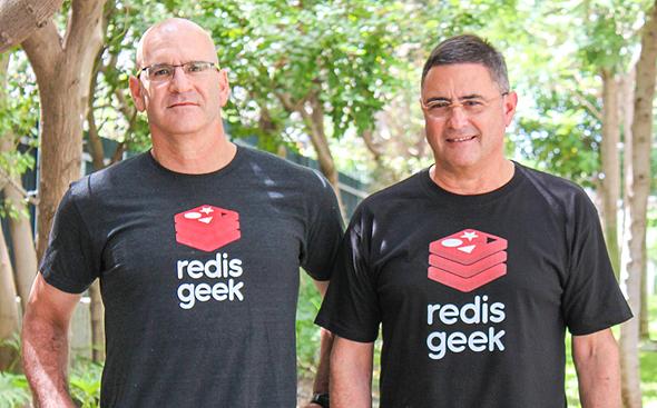 מימין עופר בנגל ויפתח שולמן מייסדי Redis Labs